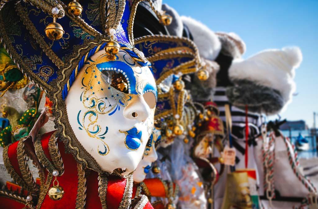 Mooie Venetiaanse maskers voor een originele carnavalsanimatie